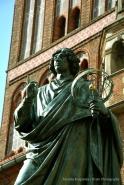 Nicolaus Copernicus Monument II