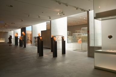 In the Archaeology Museum (II)