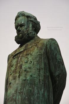 Henrik Ibsen monument av Stephan Sinding